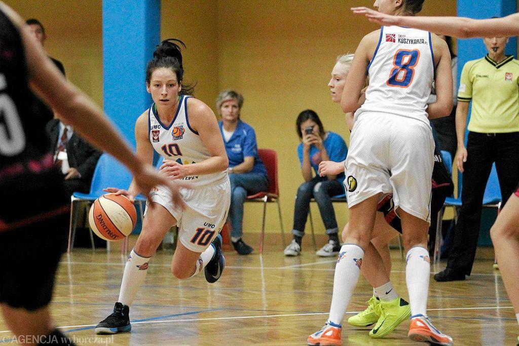 Jolanta Wichłacz, w czasie meczu KKS Olsztyn - Basket 25 Bydgoszcz (72:54)