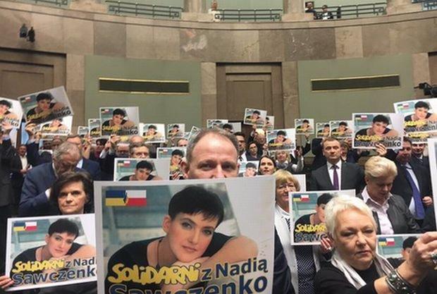 Sejm przez aklamację przyjął uchwałę ws. uwolnienia Nadii Sawczenko