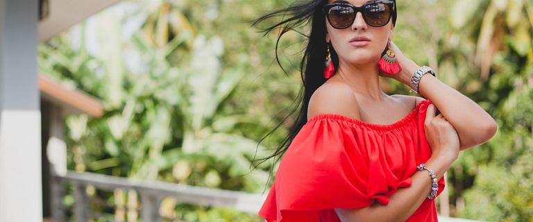 Ultrakobiece czerwone sukienki! Wybieramy najpiękniejsze fasony i pasujące dodatki