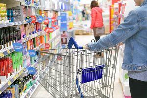 """Rewolucja fiskalna. Od środy zmieniają się ceny w sklepach. """"Zmienia się pogoda i zmienia się VAT"""""""