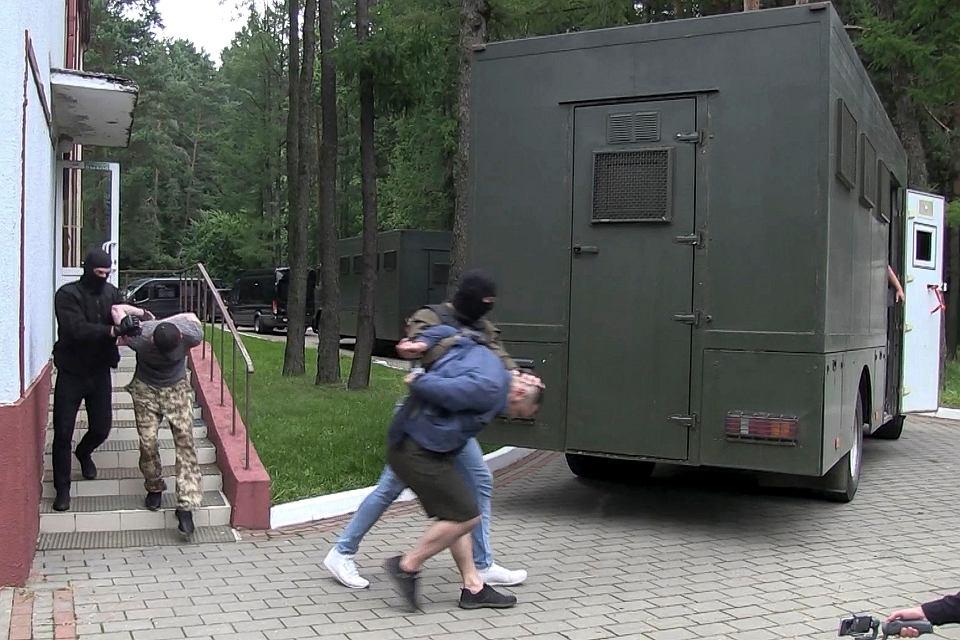 Aresztowanie przez białoruski OMON rosyjskich najemników, służących w Prywatnej Spółce Wojskowej Wagnera, 29 lipca 2020.