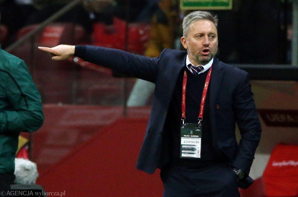 Jerzy Brzęczek podczas ostatniego meczu eliminacji Euro 2020 Polska - Słowenia