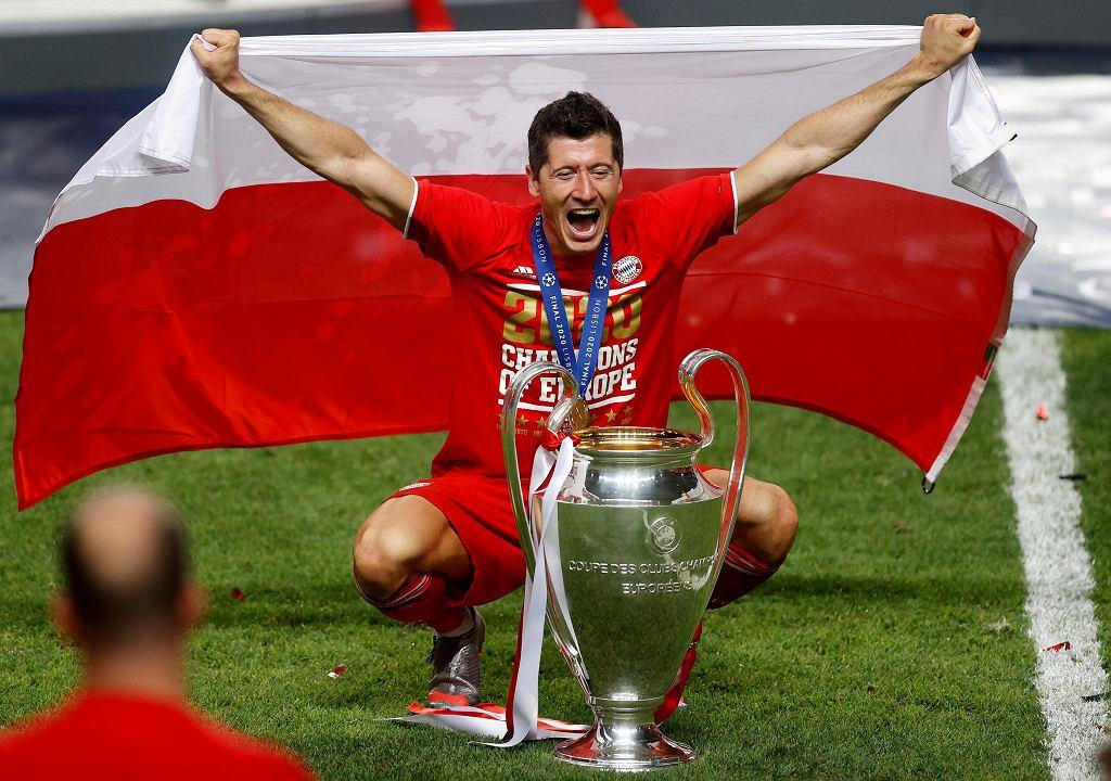 Robert Lewandowski z Pucharem Europy