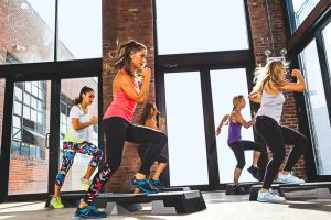 Reebok Women's Fitness Camp - opis zajęć i lista trenerów