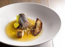 Karp, foie gras, consomme z borowików - ugotuj