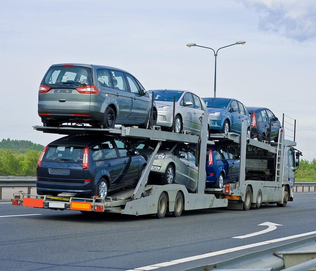 Rząd rozważa powrót do projektu zmian w podatku akcyzowym od samochodów, aby wwóz starych używanych aut z importu nie opłacał się