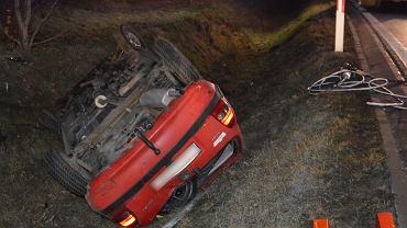 Tragiczny wypadek w Obrowie. Zginęły dwie osoby