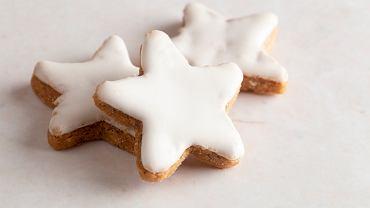 Jak zrobić lukier bez cukru pudru? Zrób go np. z cukru kryształu