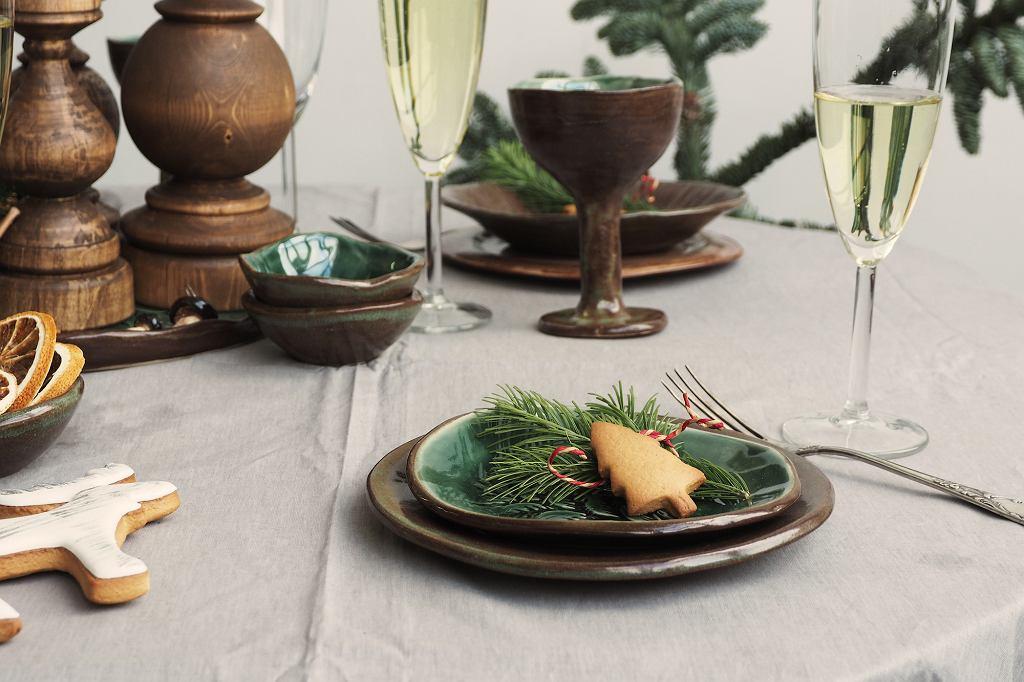 Stół wigilijny w rustykalnym stylu.