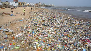 Tworzywa sztuczne są bardzo trwałe i praktycznie nie ulegają biodegeneracji