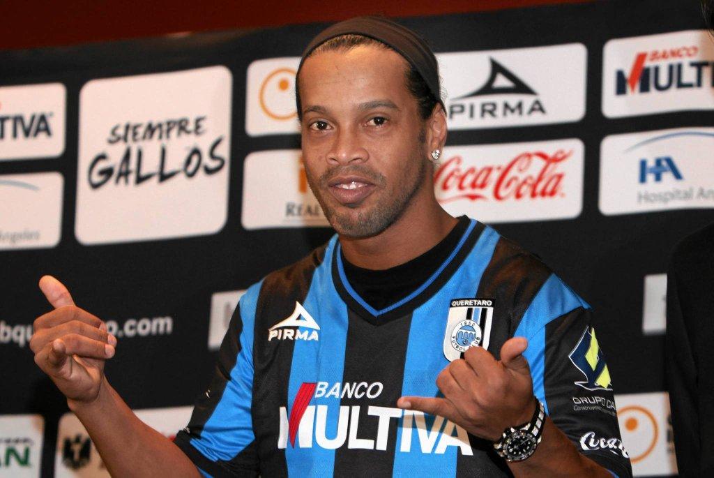 Ronaldinho w koszulce meksykańskiego klubu Queretaro