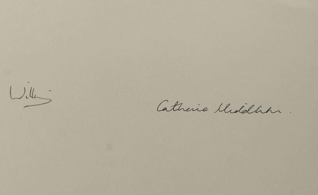 Podpisy księcia Williama i księżnej Kate