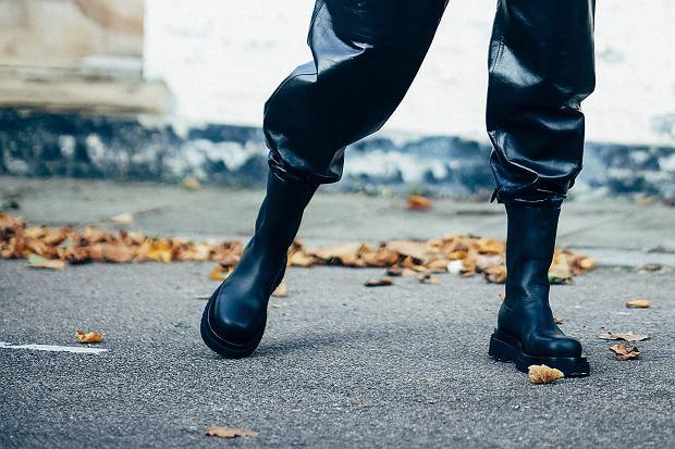 Te buty wyglądają jak od Bottegi Venety, a są z sieciówki! Wysmuklają łydkę i pasują do wszystkiego