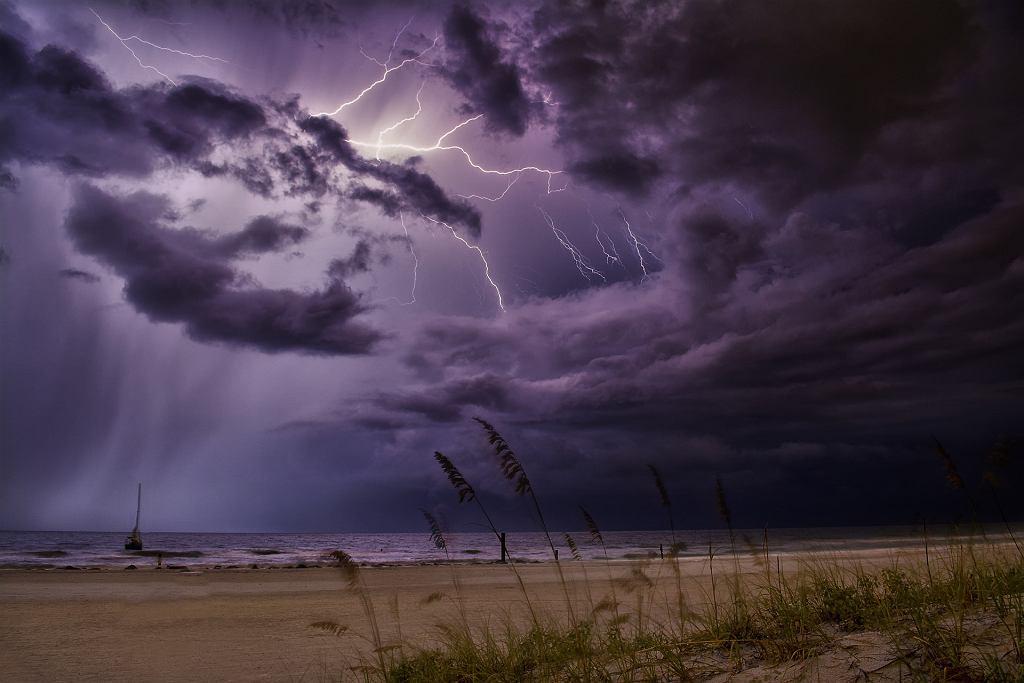 Burza nad morzem