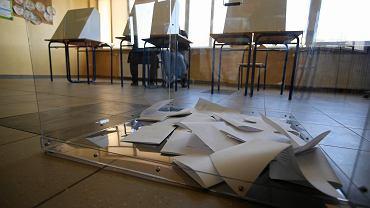 Wybory do rad osiedli. Lokal wyborczy na Naramowicach