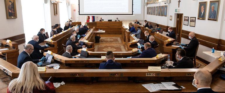 Lublin. Radni głosowali ws. obecności Ziemi w Układzie Słonecznym