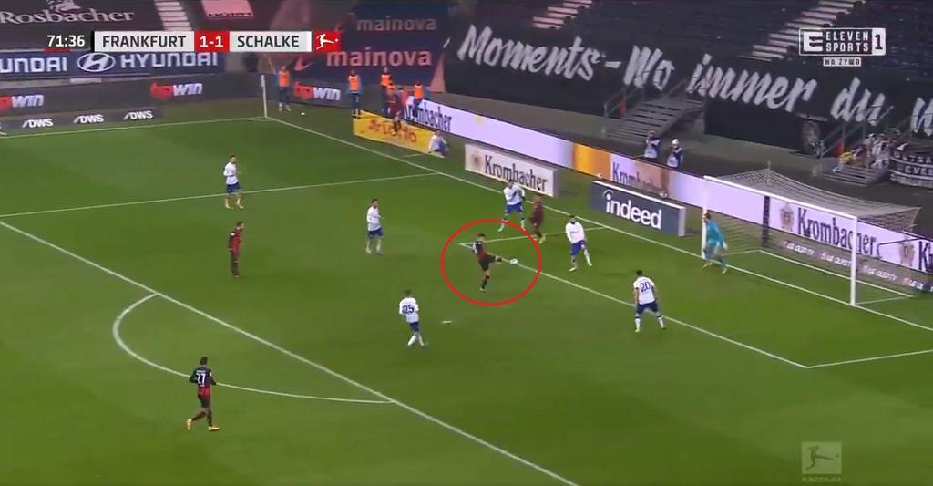 Gol Luki Jovicia w meczu z Schalke