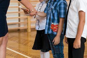 Chłopiec z Aspergerem niewpuszczony na zakończenie roku szkolnego. Nauczycielki udawały, że go nie widzą