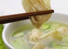 Zupa z pierożkami wonton - ugotuj