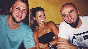 Przemysław Karnowski z Anną Lewandowską i Marcinem Gortatem