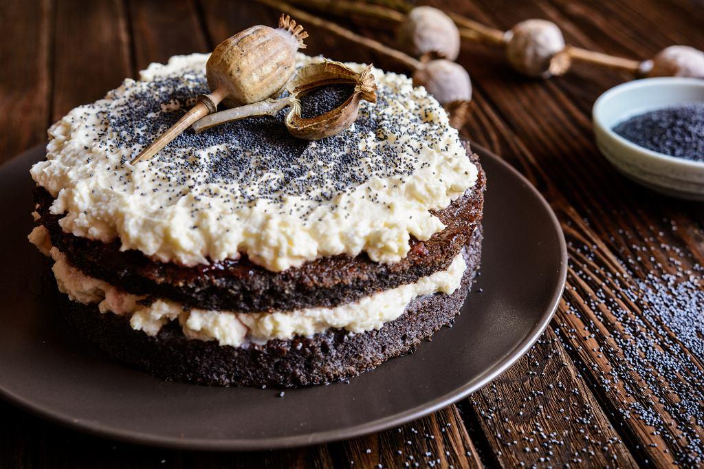 Jedną z idealnych dietetycznych propozycji w diecie Kwaśniewskiego jest... tort makowy z kremem (fot. NoirChocolate  / iStockphoto.com)