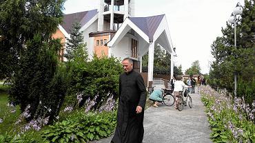Ksiądz Lemański zniknął z Jasienicy dwa lata temu