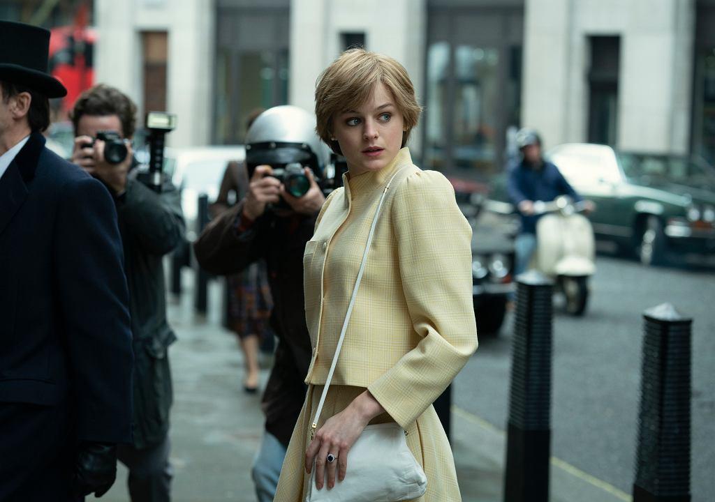 Statuetkę dla najlepszej aktorki w serialu dramatycznym odebrała Emma Corrin, która w 4. sezonie serialu Netflixa 'The Crown' wcieliła się w Księżną Dianę.