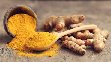 Kurkuma szczególnie popularna jest w kuchni azjatyckiej, w której istotne są jej właściwości barwiące potrawy na żółty kolor.