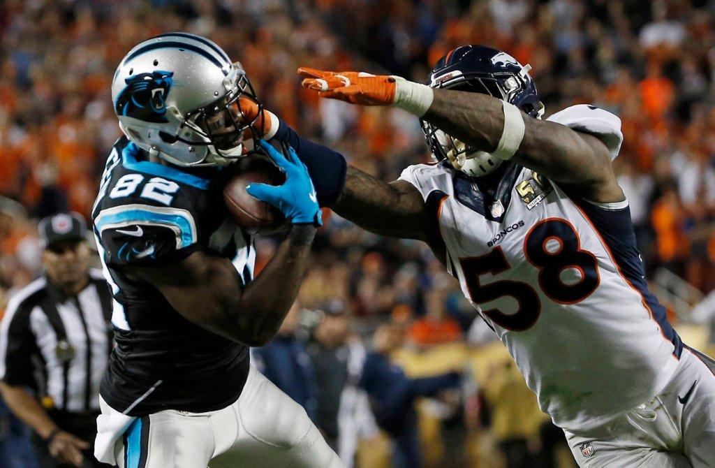 Super Bowl 2016. Von Miller atakuje Jerricho Cotcheryego