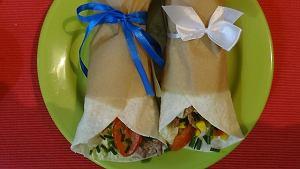 Tortilla z polędwiczkami wieprzowymi i warzywami