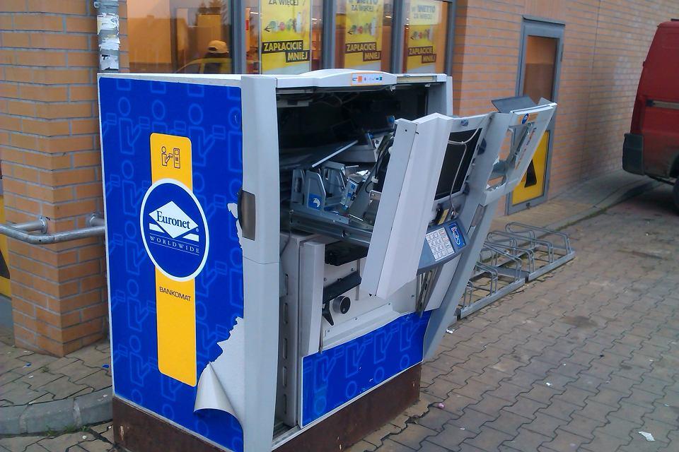 Wysadzony bankomat w Gdańsku. Kasetki z pieniędzmi zostały w środku