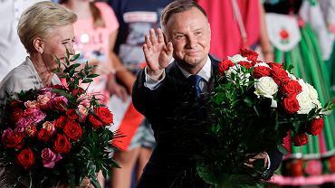 Prezydent Andrzej Duda na wiecu w Łowiczu po ogłoszeniu wyników pierwszej tury wyborów