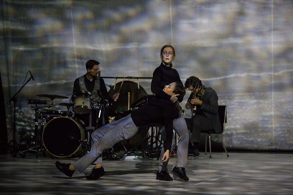 Spektakl 'Manhattan' Danieli Komędery-Miśkiewicz, Dominiki Wiak