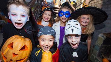 Dziś Halloween kojarzy się przede wszystkim z dziećmi zbierającymi słodkości i z różnego rodzaju imprezami