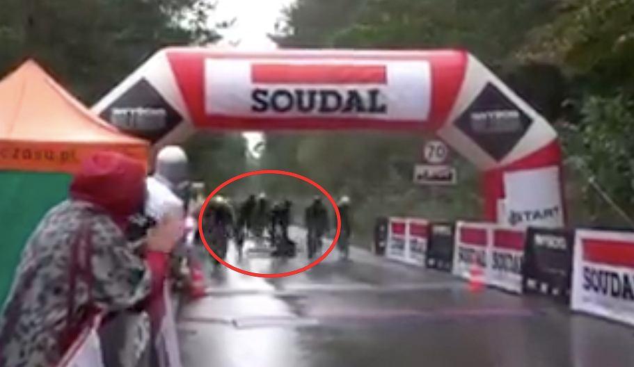 Kraksa tuż przed metą wyścigu kolarskiego w Niepołomicach