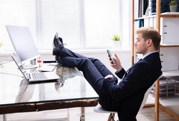 Firmie, w której pracował, poświęcił kilka lat swojego życia. Cztery ostatnie wspomina jako piekło (fot: Shutterstock.com)