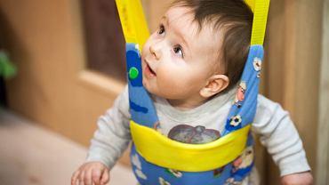 Skoczek dla dzieci jest jedną z tych zabawek, których nie polecają fizjoterapeuci