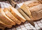 Dziś Światowy Dzień Chleba - znakomita okazja, by upiec go w domu. Jak? Oto szybki i prosty przepis