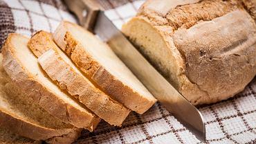Dziś Światowy Dzień Chleba - znakomita okazja, by upiec go w domu. Oto szybki i prosty przepis.