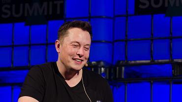 """Elon Musk o koronawirusie: """"panika jest głupia"""". Wpis wielu się nie spodobał. Tesla straciła ostatnio 20 proc. na giełdzie"""