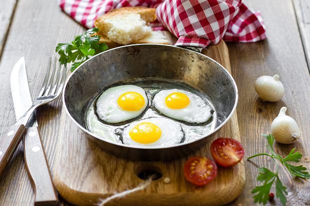 Jajka bogate są w zdrowe tłuszcze i pełnowartościowe białka oraz cholinę