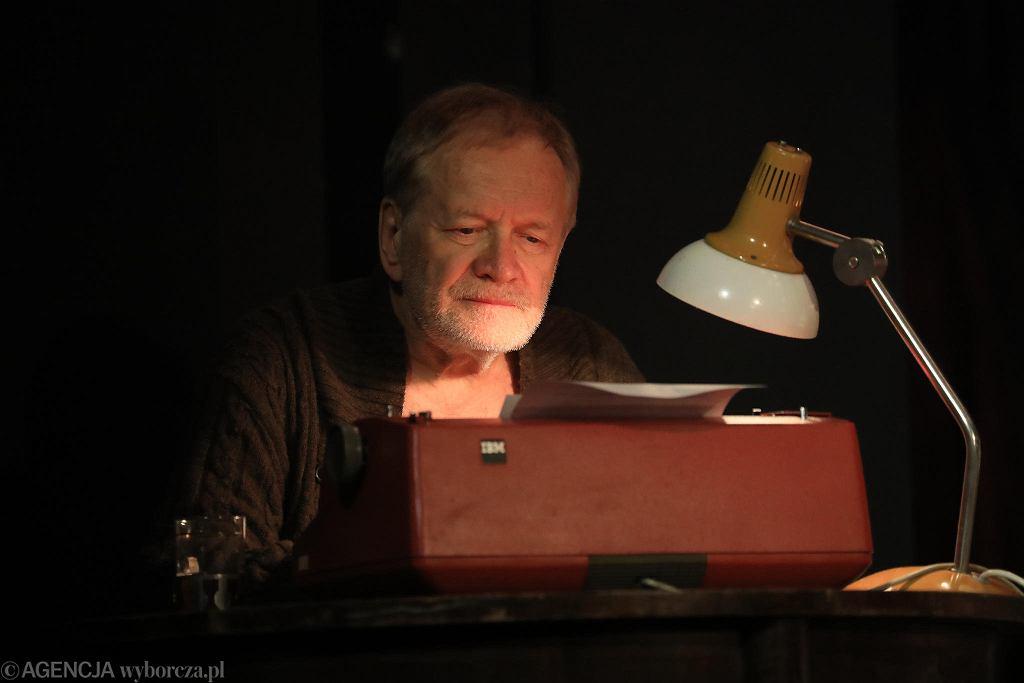 Andrzej Seweryn w spektaklu 'Król' w Teatrze Polskim / JACEK MARCZEWSKI