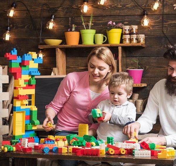 ba6b6309 Rodzice popychają dzieci do szybszego rozwoju. Koszt to ...