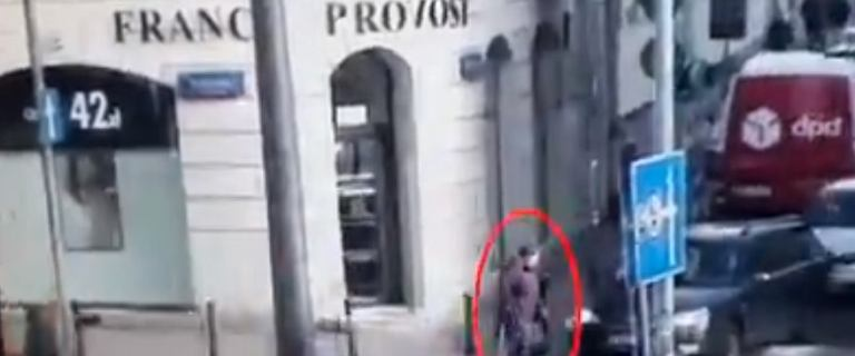 Kobieta potrąciła 79-latkę na przejściu dla pieszych. Wystarczyła chwila nieuwagi [WIDEO]