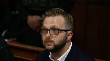 Konrad L. - oskarżony o podsłuchiwanie i nagrywanie gości restauracji 'Sowa i przyjaciele' - podczas rozprawy w ' procesie Marka Falenty