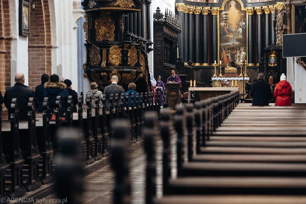 Kościół podczas pandemii - Zdjęcie ilustracyjne