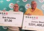 Czy brat bliźniak się podzieli? W tej samej loterii jeden brat wygrał 291 mln dolarów, drugi 7