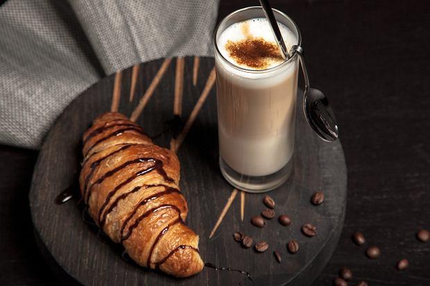 Cappuccino i croissant
