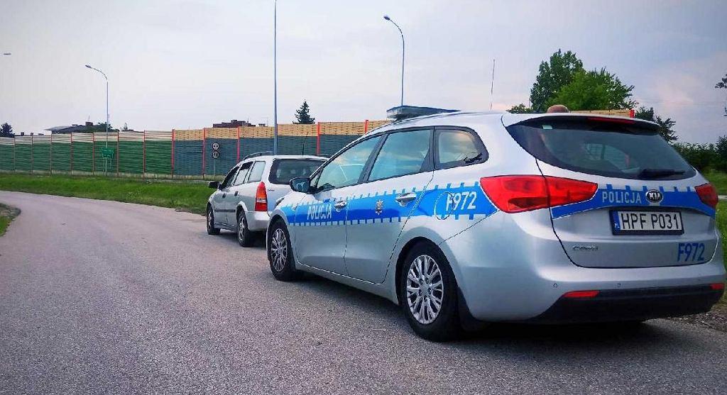 Policjanci zatrzymali pijanego kierowcę. Przewoził 4-letnie dziecko