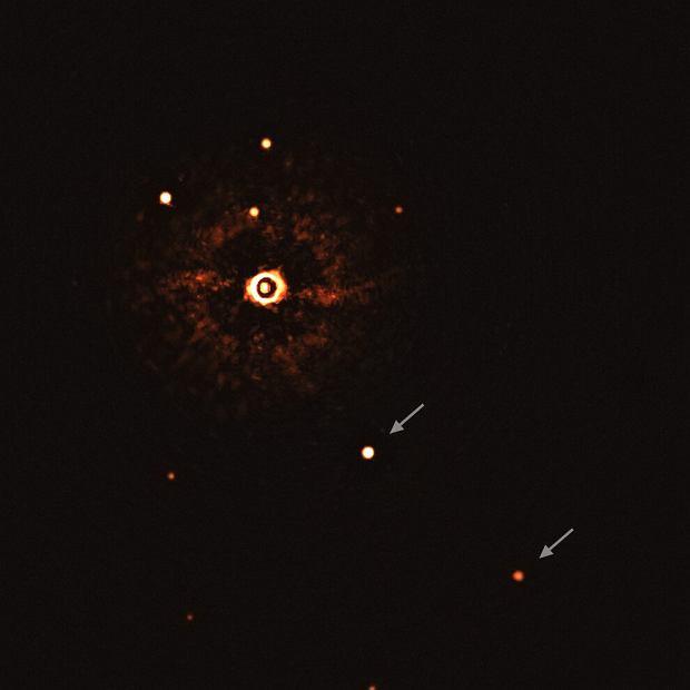Pierwsze w historii zdjęcie układu planetarnego z gwiazdą podobną do naszej
